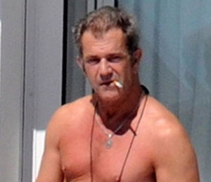 Pic! Mel Gibson 'Hangs Out' on Hotel Balcony