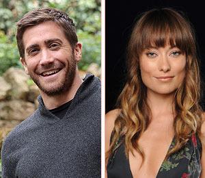 Extra Scoop: Jake Gyllenhaal and Olivia Wilde Get Flirty!
