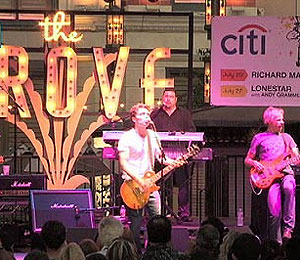 Video! Richard Marx Live at The Grove