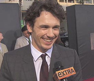 'Extra' Raw! At the 'Rise of the Planet of the Apes' Premiere