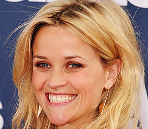 Extra Scoop: Witherspoon, McConaughey in 'Mud'