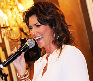 Shania Twain Stalker Interrupts Testimony, Pleads Guilty