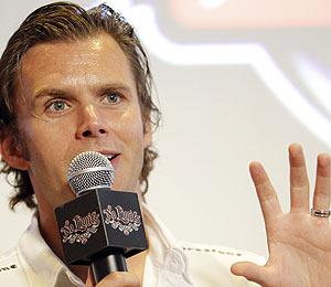 IndyCar Racer Dan Wheldon Dies in Fiery 15-Car Wreck