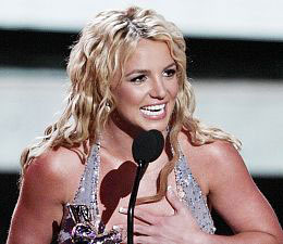 Brit Wins Big at VMAs