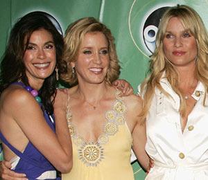 'Housewives' Bid 'Edie' Adieu