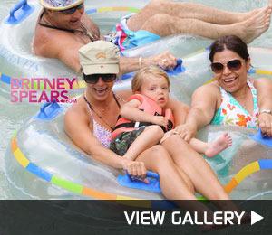 Britney's Bahamas Vacation