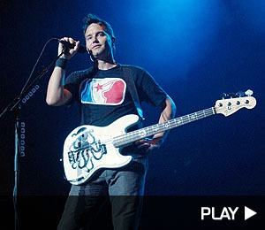 Blink-182 Honors AM at Concert