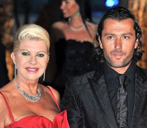Ivana Trump Files for Divorce