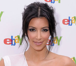 Kim Kardashian Hosts Charity Auction for Haiti