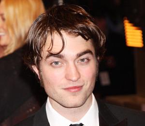 Robert Pattinson Takes Bite Out of Big Apple