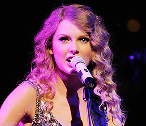 Taylor Swift Donates $500K to Flood Relief