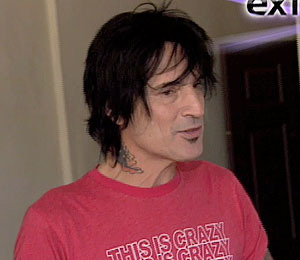Exclusive Video! Tommy Lee No Longer a 'Time Bomb'