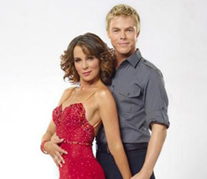 Extra Scoop: Jennifer Grey on 'DWTS' -- Baby Got Back on Top! Plus, Oprah &…