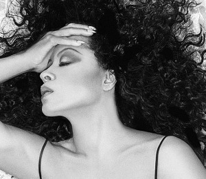 Diana Ross Goes on Tour!