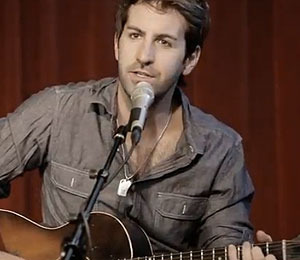 Extra Scoop: Josh Kelley Releases New Music Video About His Daughter