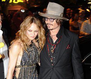 Extra Scoop: Vanessa Paradis Denies Split with Johnny Depp