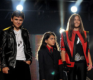 Michael Jackson's Kids to Honor Dad in Hollywood