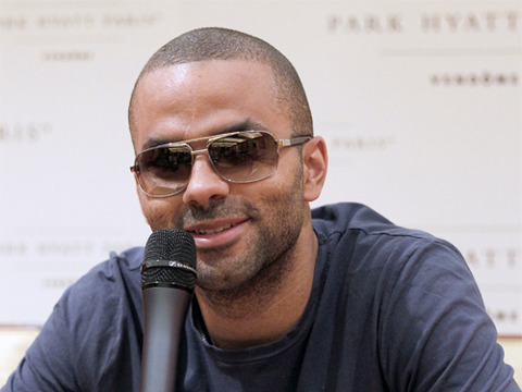 Extra Scoop: Tony Parker Injured in Chris Brown/Drake Bar Brawl