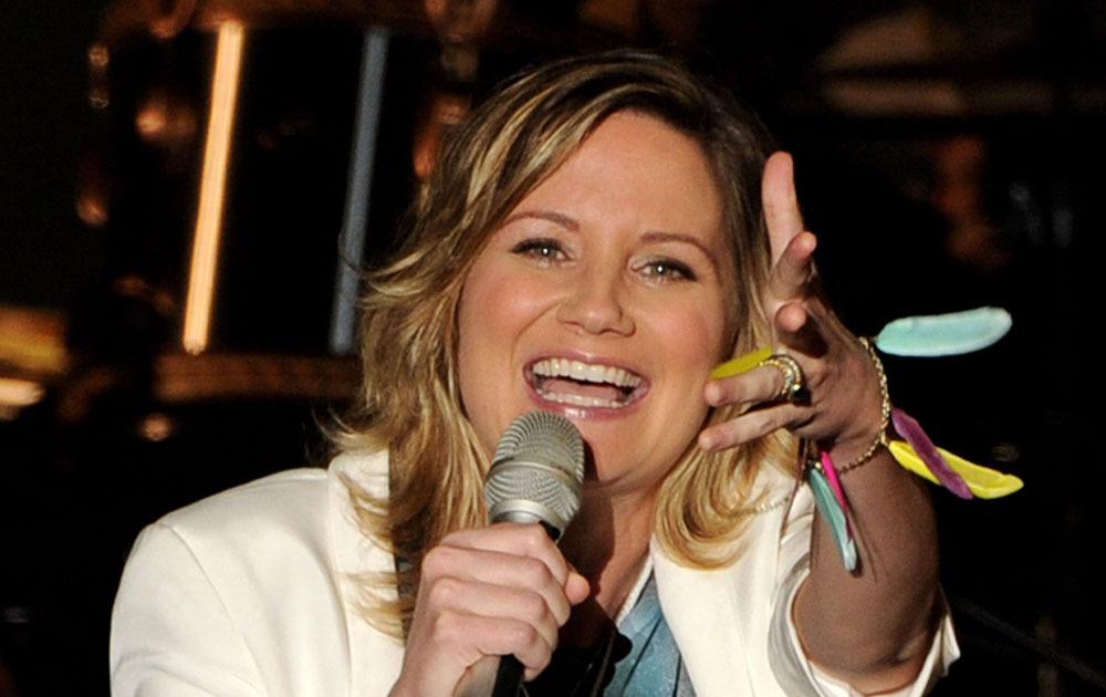 Sugarland Singer Jennifer Nettles Is Expecting Extratv Com