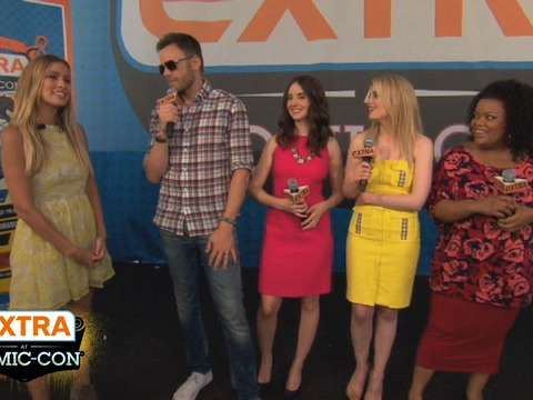 "'Extra at Comic-Con': Meet the Cast of ""Community"""