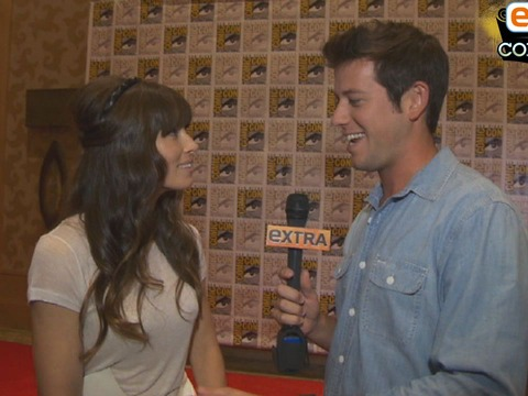 'Extra at Comic-Con': 'Total Recall' Stars Dish at the Con