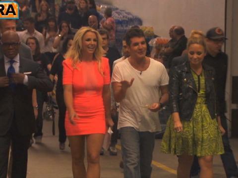 Sneak Peek! 'The X Factor' Backstage