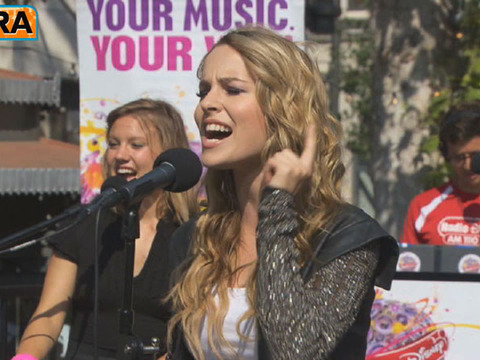 Video! Bridgit Mendler Performs 'Ready or Not'