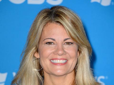 Extra Scoop: Lisa Whelchel is Divorced