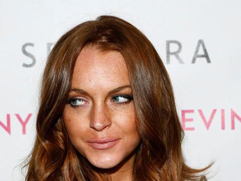 Lindsay Lohan's Dad Seeks Conservatorship