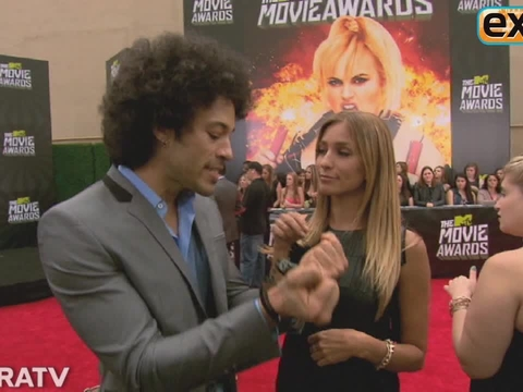 'Extra' Raw! At the 2013 MTV Movie Awards