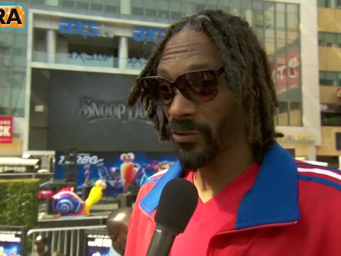 Video! Snoop Dogg Surprises Fans at 'Turbo' Party