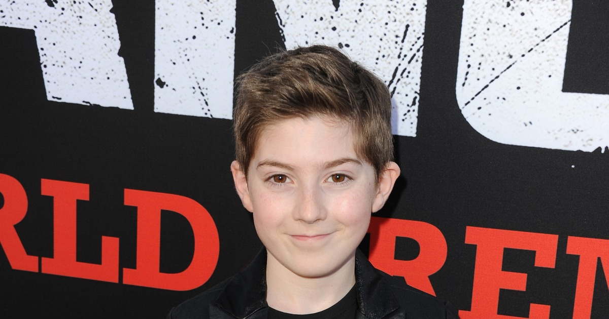 Live Chat with Mason Cook! | ExtraTV com