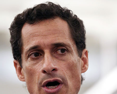 Anthony Weiner Admits to Sexting... Again