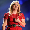 Kelly Clarkson Banned from Taking Jane Austen's Ring Out of the UK[Getty]