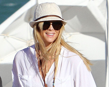 Elin Nordegren Shows Off Toned Bod after Workout