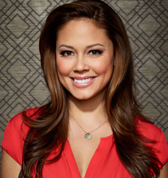 'Dads': Vanessa Lachey's Tickle Fight with Giovanni Ribisi