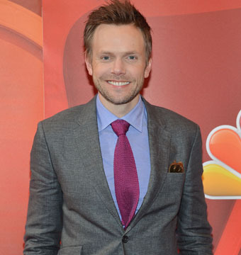 Joel McHale 'Can't Tell the Difference Between Miley and Bieber'