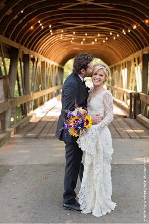 Kelly-Clarkson-wedding-dress