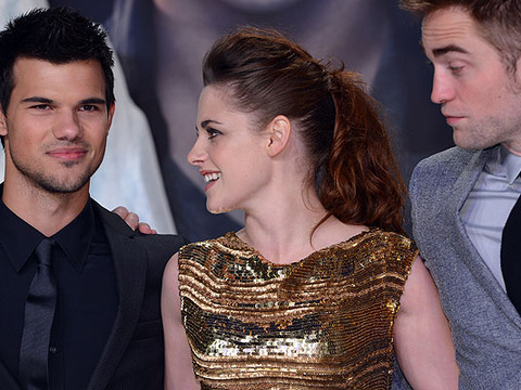 Kristen Stewart and Taylor Lautner Have a Sleepover! A Love Triangle in the…