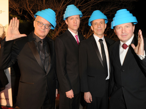 Extra Scoop: Devo Guitarist Bob Casale Dead at 61
