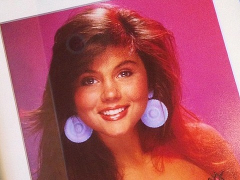 Tiffani Thiessen Sends Vintage 'Saved by the Bell' Pic as Birthday Gift