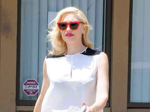 """""""The Voice"""" coach Gwen Stefani stopped by an acupuncture studio in L.A."""