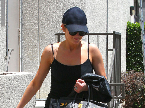Ashlee Simpson hit the gym in Studio City ahead of sister Jessica's July 4…