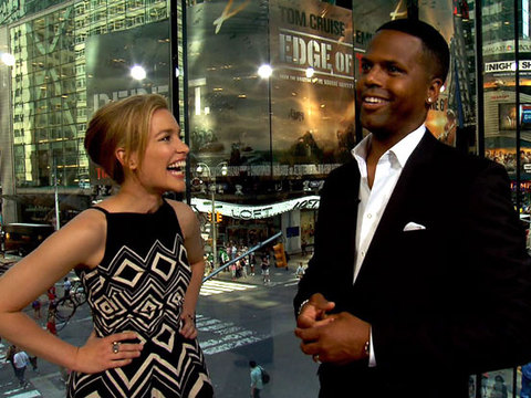 Piper Perabo on Performing Stunts While Wearing High Heels in 'Covert…