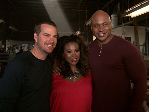 'Extra' Hangs with LL Cool J and Chris O'Donnell on the Set of 'NCIS: LA'