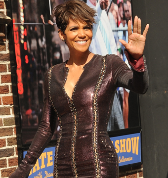 "Halle Berry waved to fans as she arrived to the ""Late Show with David…"