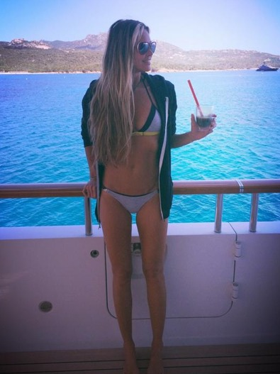 Elle MacPherson and Other Hot Celebs Turning 50!