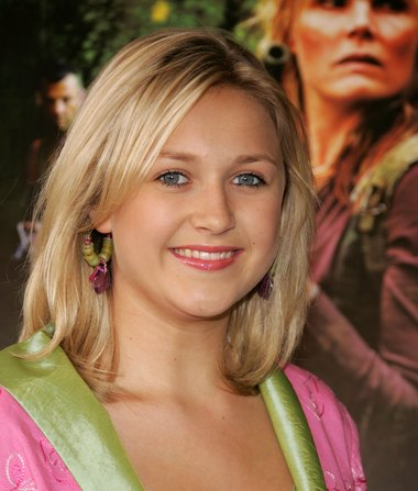 'The Patriot' Actress Skye McCole Bartusiak Dead at 21