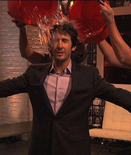 Josh Groban Takes the ALS Ice Bucket Challenge
