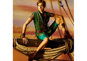 First Look! 'Girls' Star Allison Williams as Peter Pan